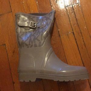 Tan Michael Kors rain boots